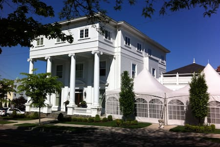 The Colonnade Boutique Hotel - Bed & Breakfast