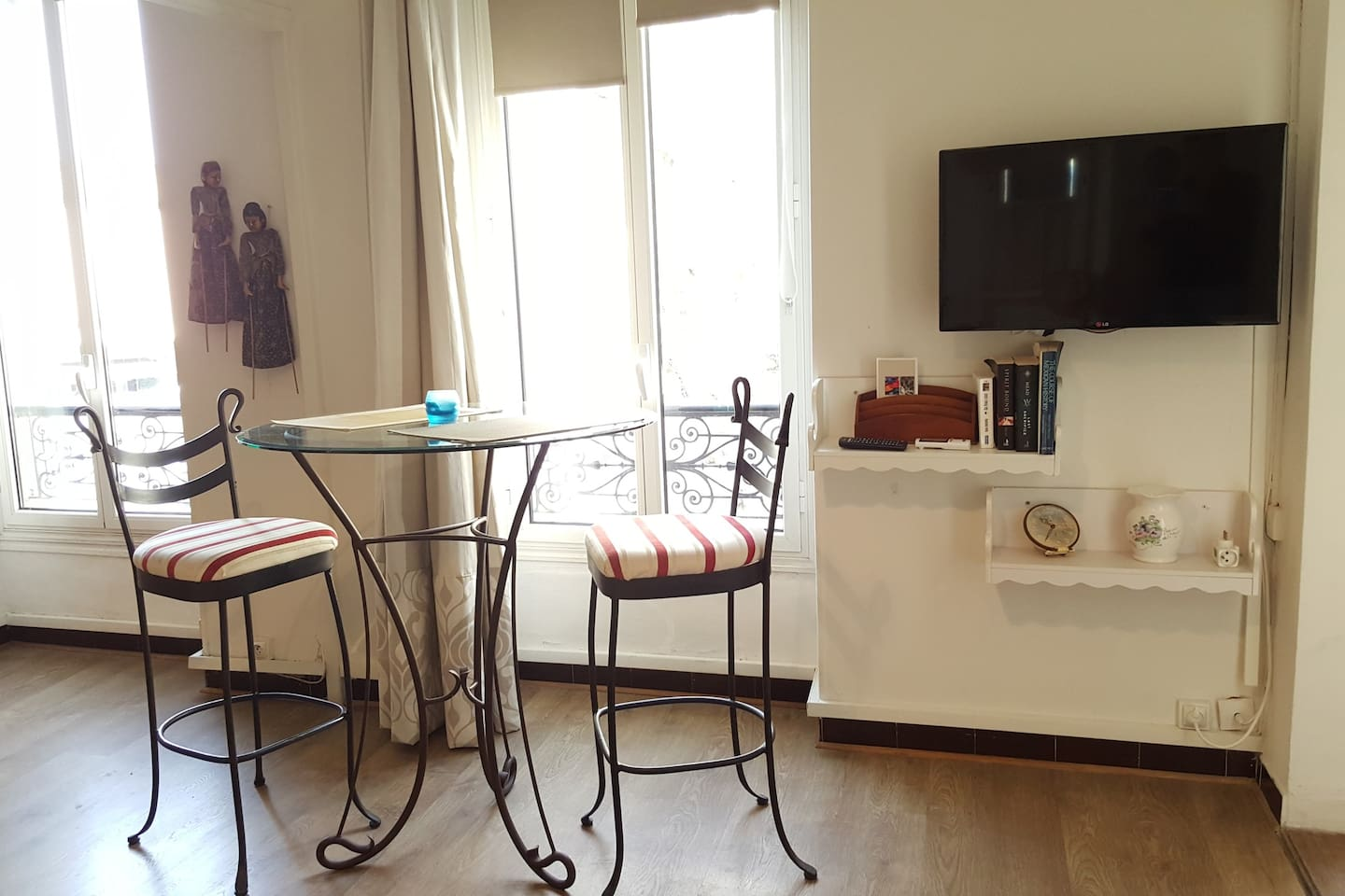 Apartment centers St Remy TV Wifi