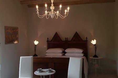Vicolo del Nido Bed&Breakfast - Bed & Breakfast