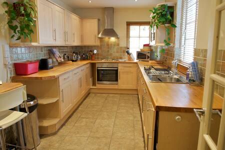 5* Regency Apartment in Cheltenham