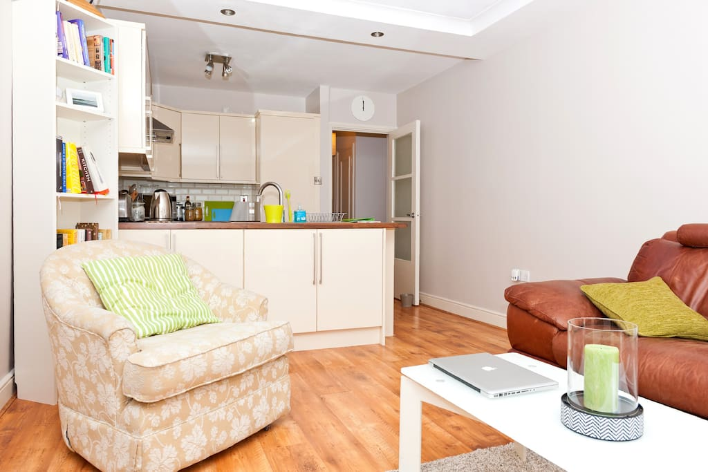Superbly Located 2BApt - Portobello