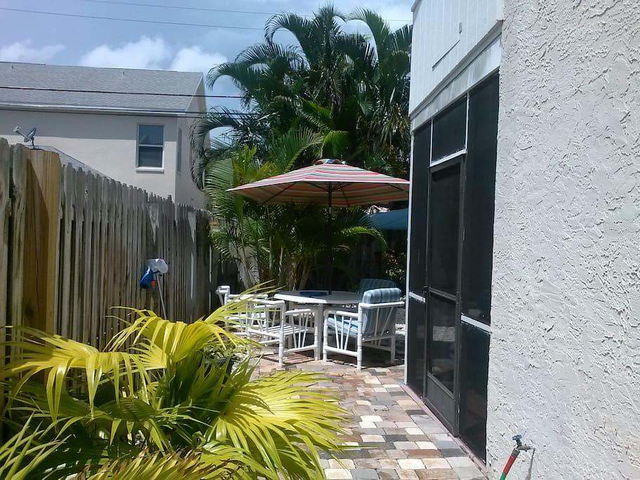 Side entrance patio area