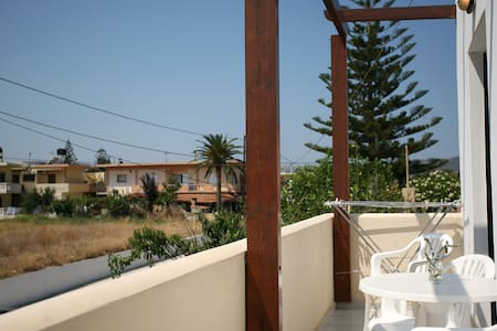 2BEDROOM APT/7/POOL 19 WEST CHANIA - Chania - Bed & Breakfast