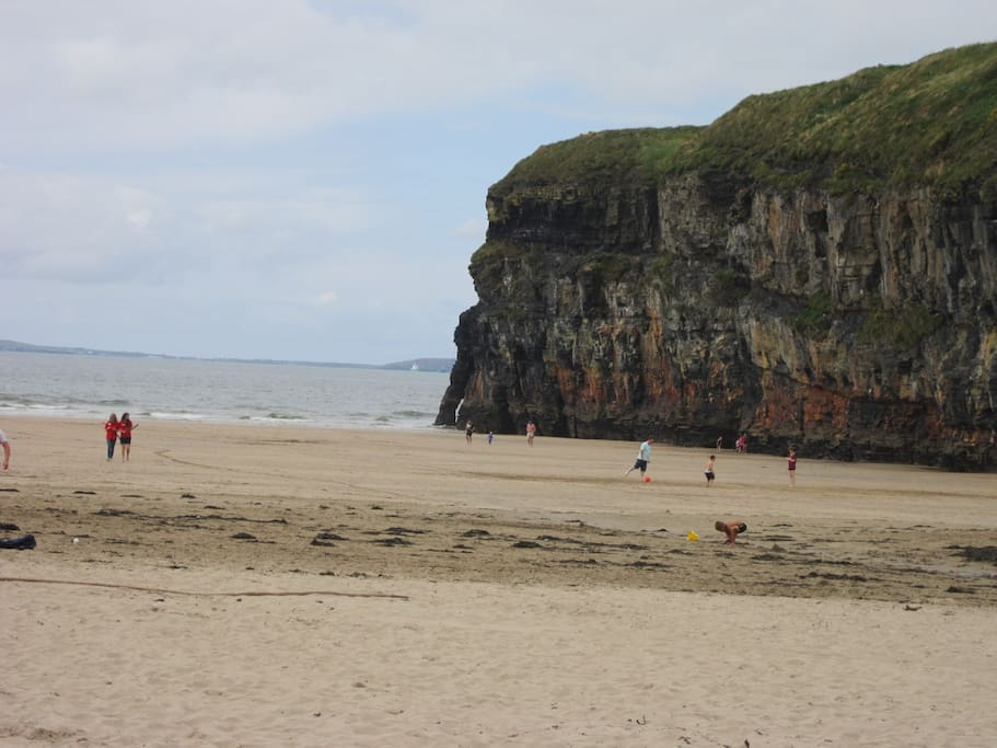 The beach at Ballybunion where you can have a seaweed bath to soften your skin!