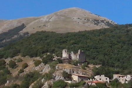 Mansarda Indipendente, bella vista - Corvaro