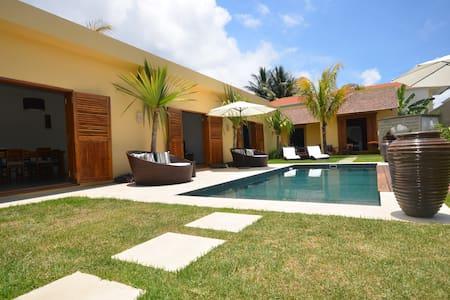 Balinese Style Villa - Ile Maurice  - Pointe aux Canonniers - Villa