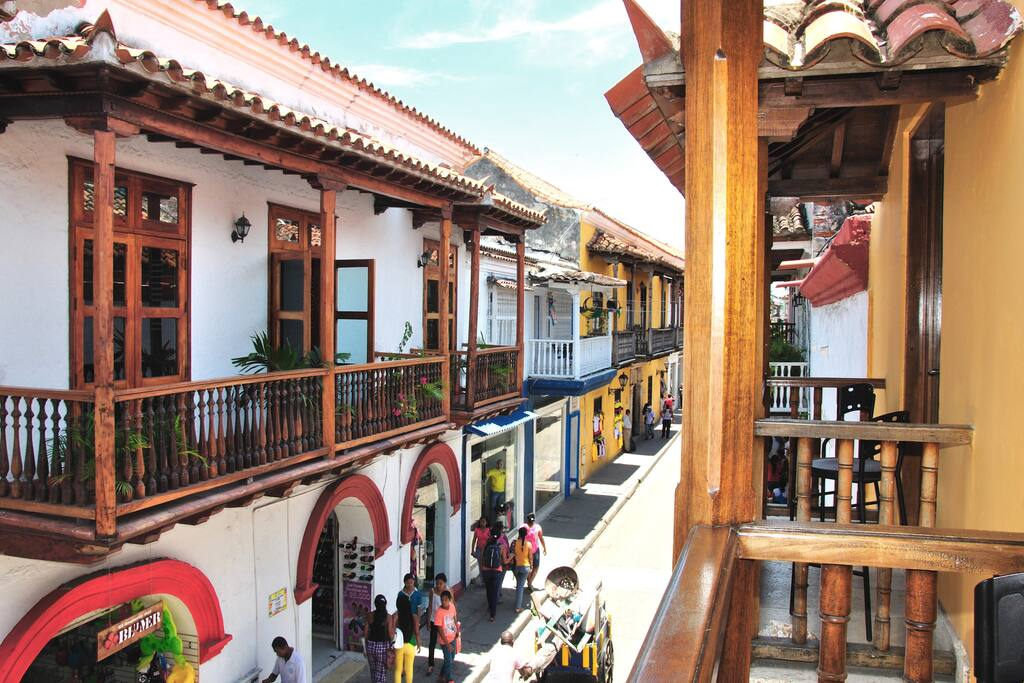 View from the apartment balcony of Calle de la Moneda!