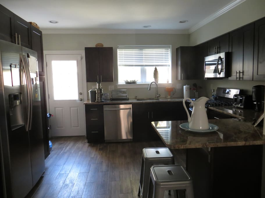 Kitchen has all the amenities necessary to prepare a great home cooked meal