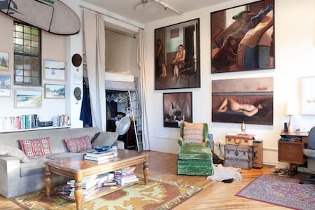 PRIVATE ROOM IN NYC ARTIST LOFT