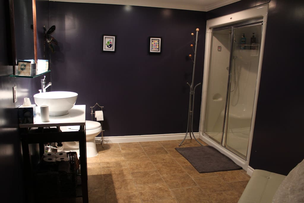 Bathroom with steam shower for two