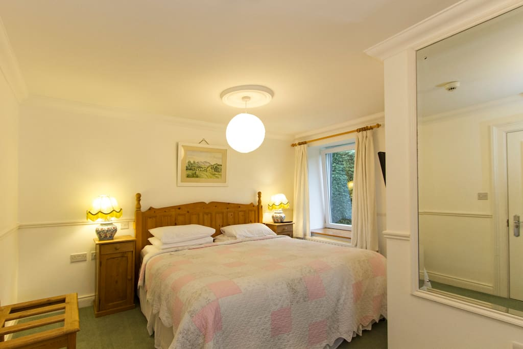 Town centre cosy rooms winter rates