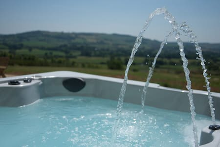 Wagon Shed Barn Sleeps 16 Hot Tub - Kilmington - Rumah