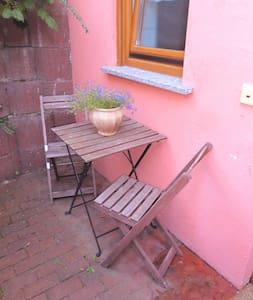 Gemütliche Ferienwohnung in Dexheim - Appartement