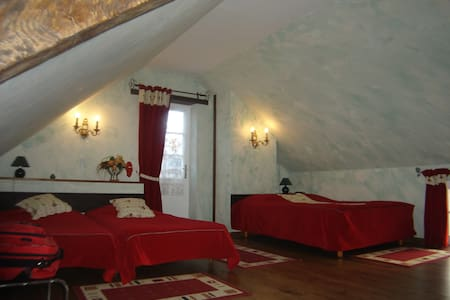 La chambre qui se mérite!Les Roses - Bed & Breakfast