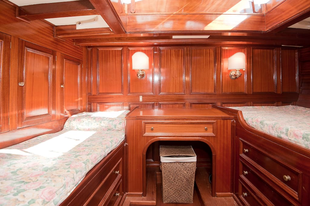 Main cabin: double bed + single bed