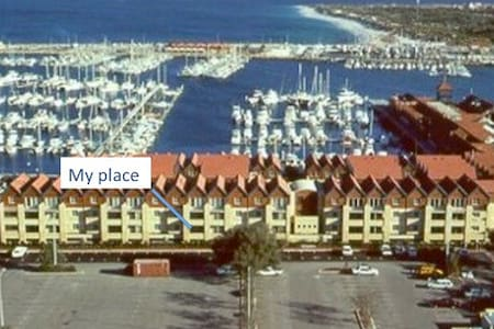 2 bedroom marina apartment with ocean views - Hillarys - Apartment