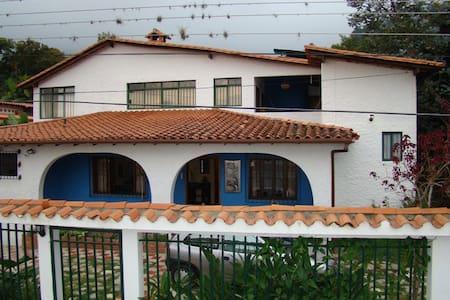 Bed and Breakfast in Merida - Szoba reggelivel