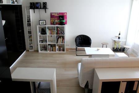 Large studio in the heart of Paris