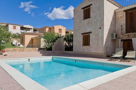 House with pool close the sea n7 - Budoni - Townhouse