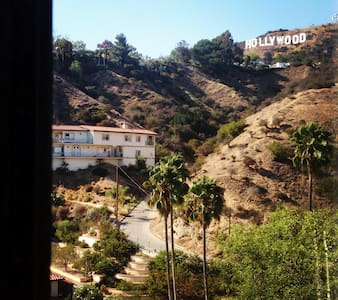 Whether you're on vacation or traveling for work, you'll feel worlds away from the hustle and bustle in this spacious guest suite at the top of Beachwood Canyon, a secluded, celebrity-filled enclave of the Hollywood Hills.