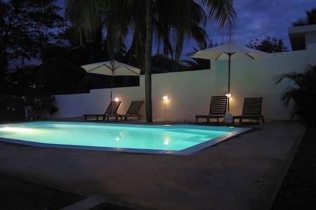 Vacation Opposite The Indian Ocean - Bed & Breakfast