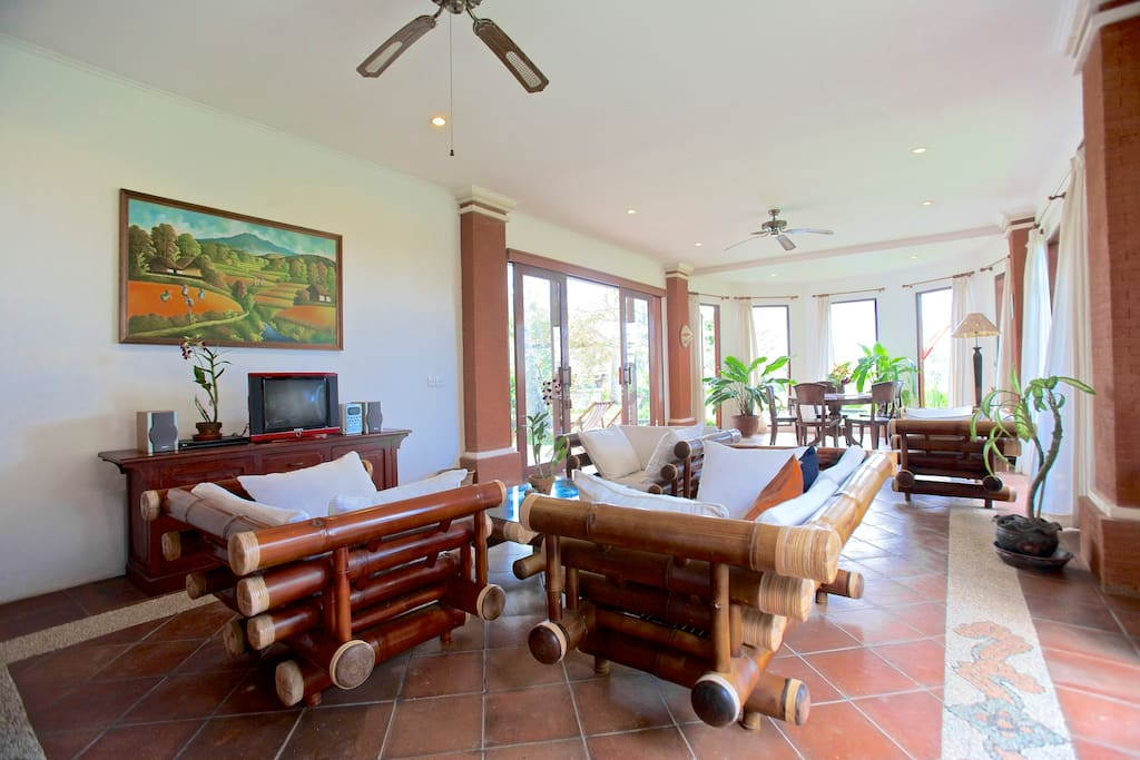 Entertainment area - living room