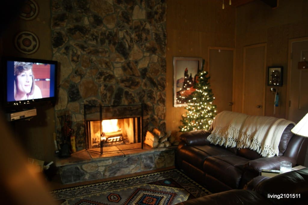 Family Ski Condo Retreat w/view