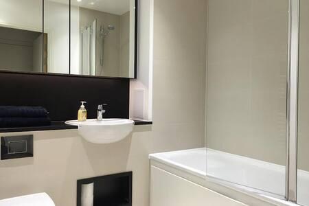 Luxury Modern Flat nr. Canary Wharf - London Silvertown