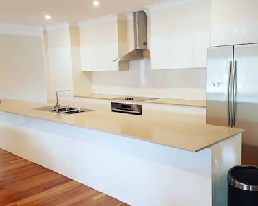 La Vigna Wedding and Function Accommodation - Rumah