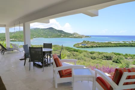 Sailor's Rest Luxurious Bungalow *Virtual Tour* - Christiansted - Μπανγκαλόου