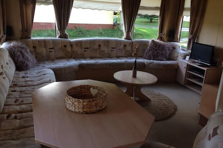 Spacious 3 Bedroom static caravan - Other