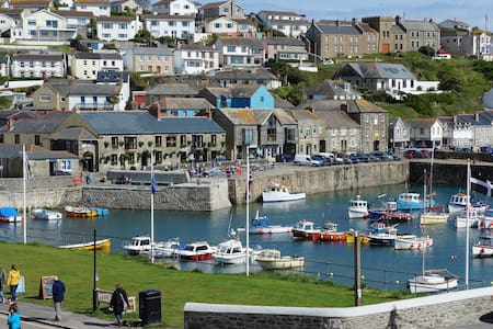 15 The Monterey, Porthleven, Cornwall - Apartment