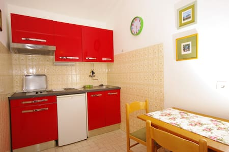Apartment Mare in the center of Makarska - Makarska - Apartamento