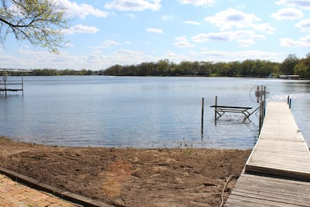 Lakefront Paddock Lake Vacation Home - Salem - Casa