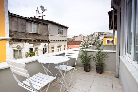 Terrace in the Heart of the City - Istanbul - Lejlighed