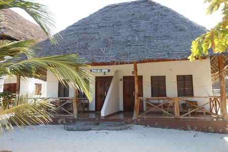 Mbuyuni  Beach Village  -Zanzibar  (room for  2) - Jambiani - Oda + Kahvaltı
