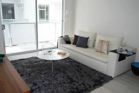 1 MINUTES TO THE BEACH! - Santa Monica - Apartment