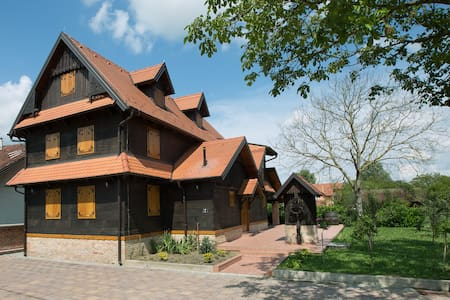 Croatian traditional oak wood house - Chalet