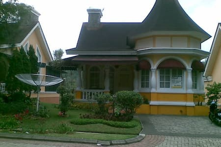 Villa for Rent - Cisarua - Villa
