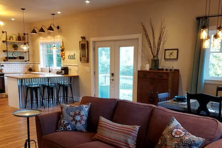 Rustic Chic near Mill Creek - Mill Creek - Konukevi