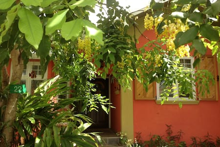 2 Double Beds/Private room ensuite - Casa