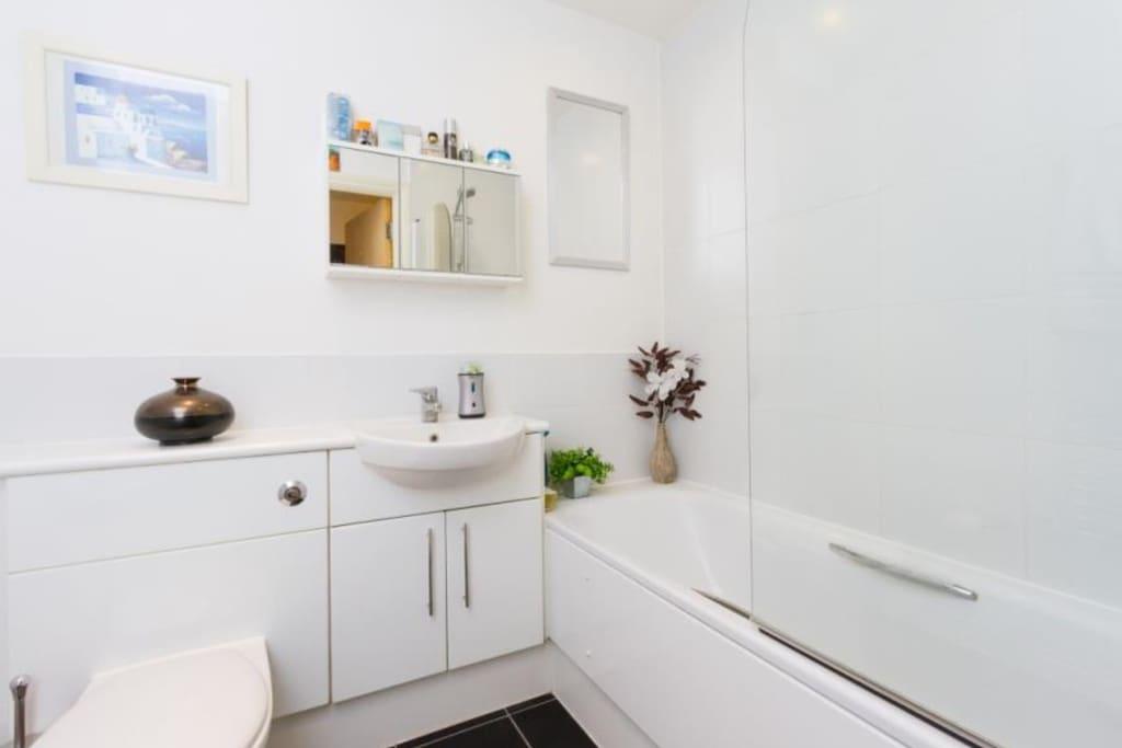 Bathroom with fresh clean towels