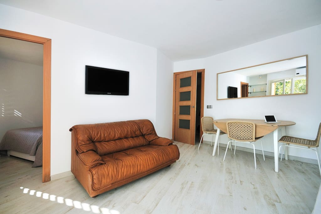 New apartment 5mins from beach