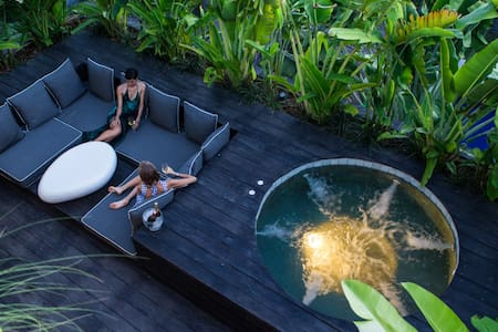Luxury lounging, heart of Seminyak