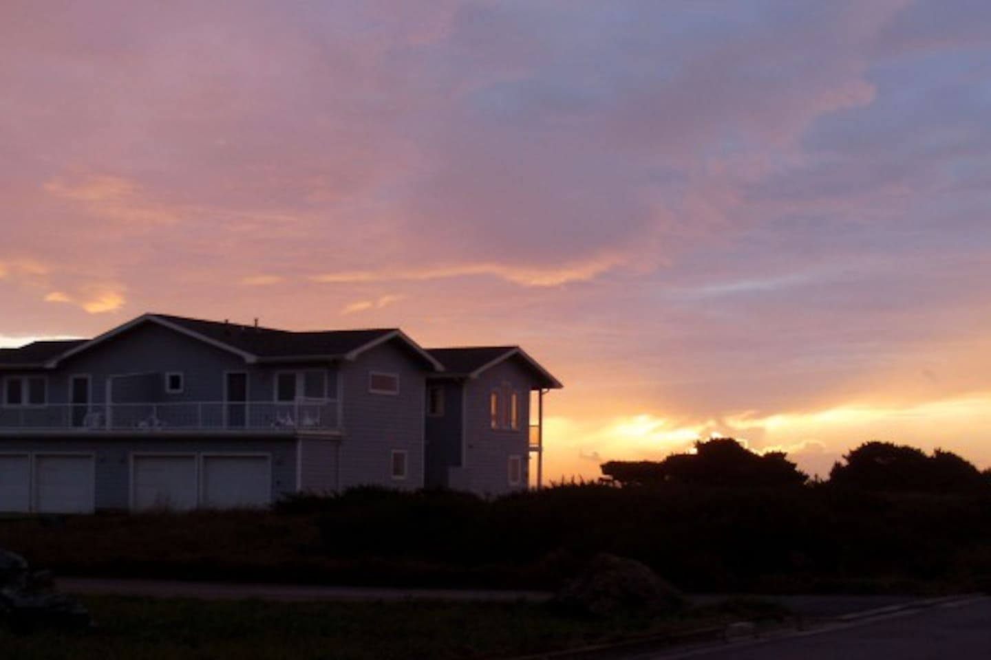 2 Great condo units with ocean views and amazing sunsets