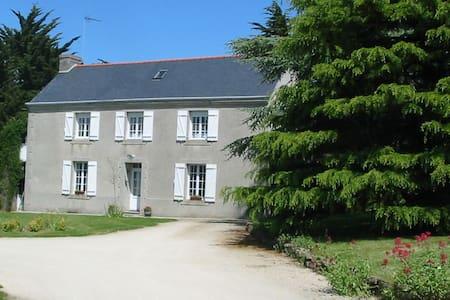 Agréable Maison Finistère Sud  - Hus