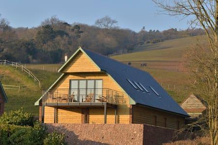 Bashford Lodge sleeps 6 (horse riding available) - Casa