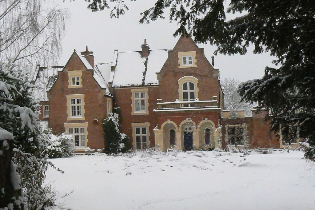 Snow at Fronfraith Hall - West Wing on Right Hand Side