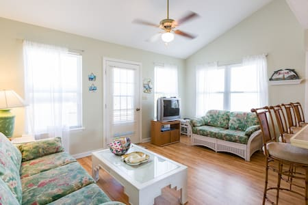 Beautiful, Sunny, Topsail Townhouse - North Topsail Beach