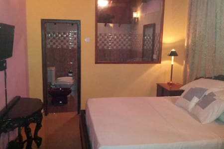 Comfortable rooms near the Airport - Villa